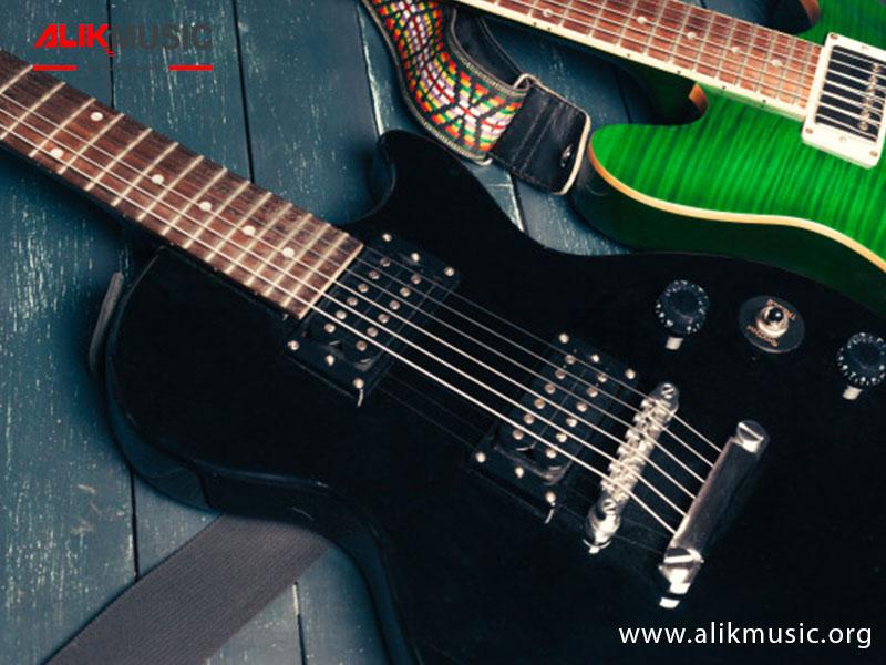 آموزش عوض کردن سیم های گیتار الکتریک