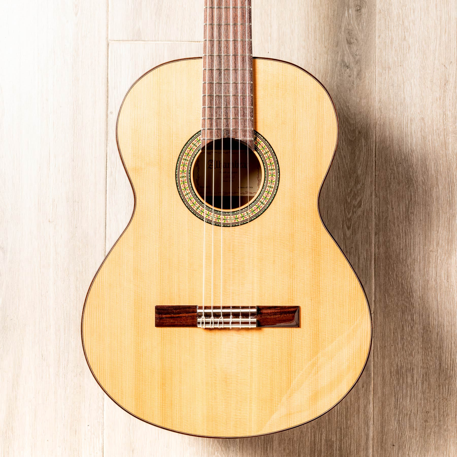 گیتار کلاسیک الحمرا Alhambra ۳C