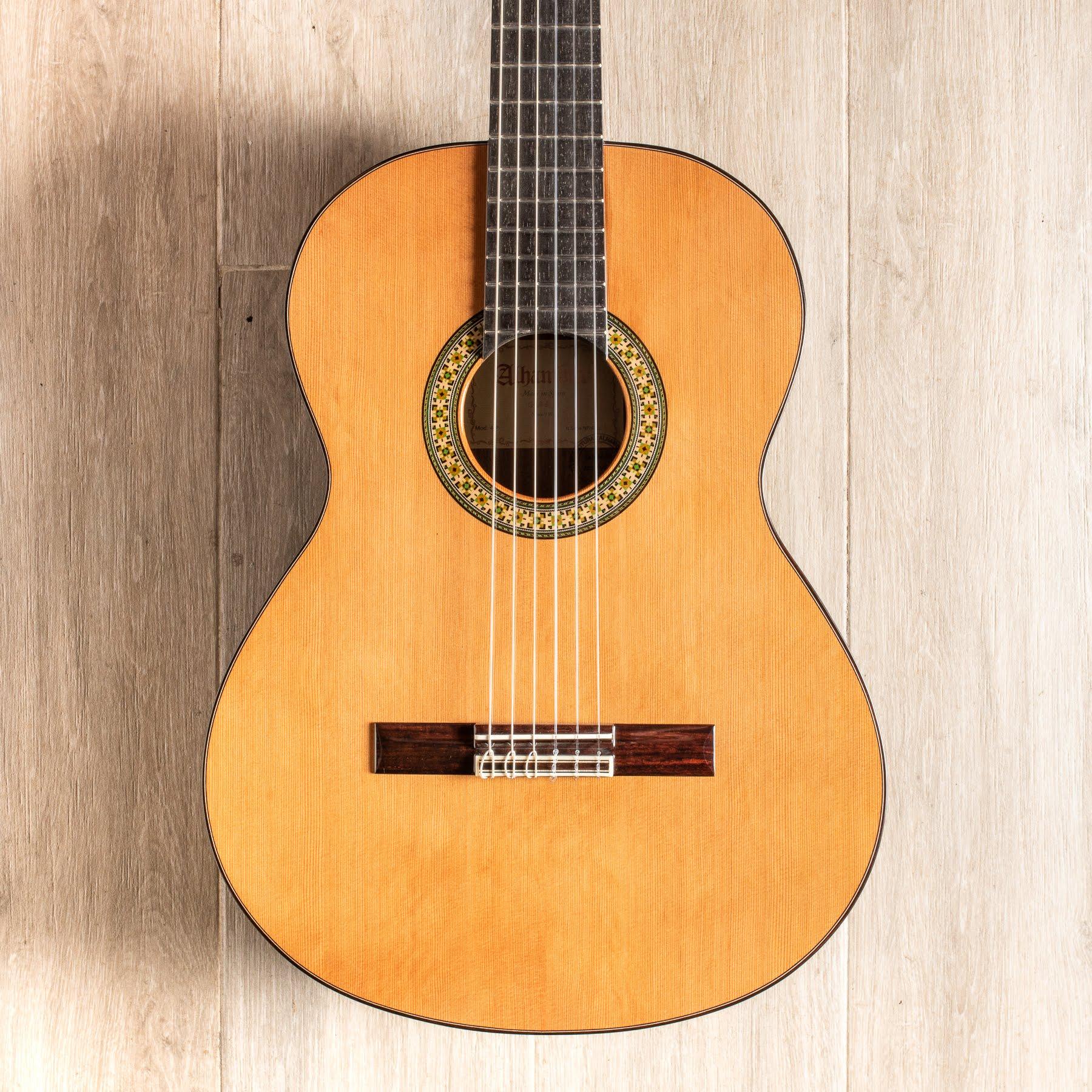 گیتار کلاسیک الحمرا