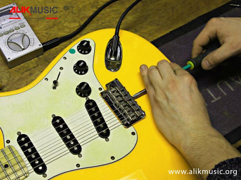 change electric guitar strings