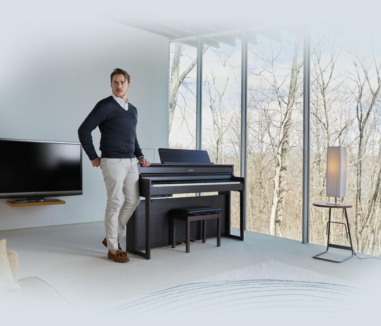 پیانو دیجیتال رولند hp704