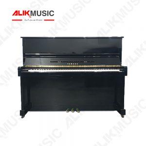 پیانو آکوستیک MC301 روبرو