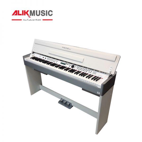 پیانو دیجیتال مدلی 5۲۰۰ سفید ویترینی دست دوم