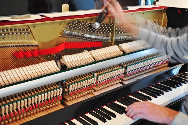 کوک کزدن پیانو آکوستیک